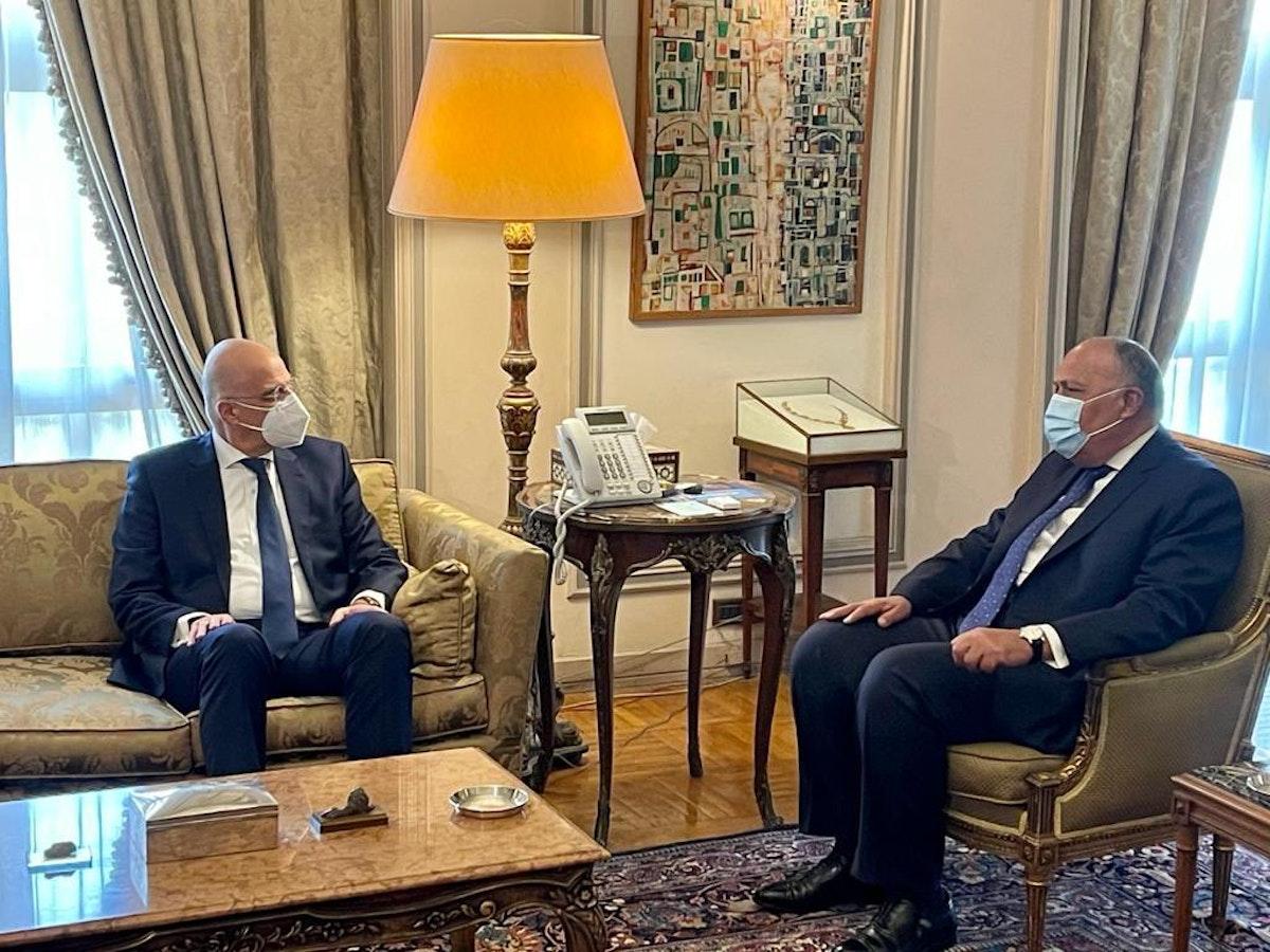 وزير الخارجية المصري سامح شكري يستقبل نظيره اليوناني نيكوس ديندياس، القاهرة، 8 مارس 2021 - twitter.com/MfaEgypt
