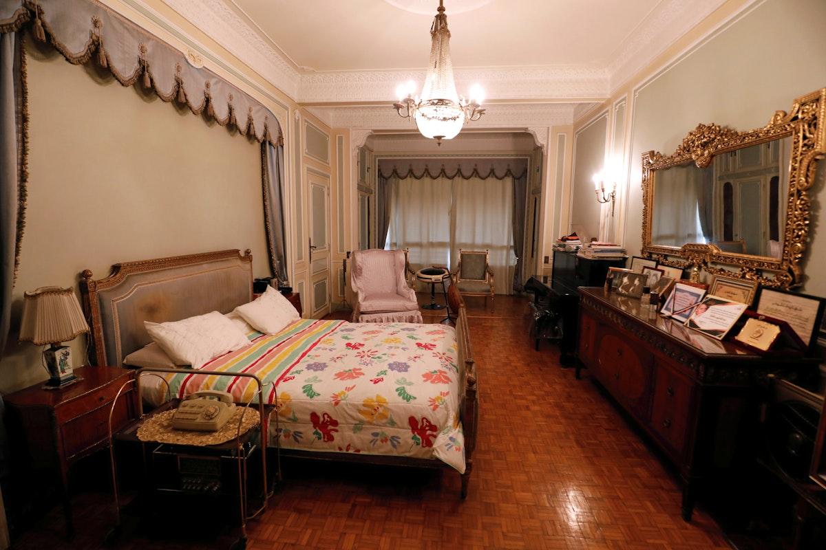 غرفة نوم عبد الحليم حافظ في منزله بحي الزمالك- REUTERS