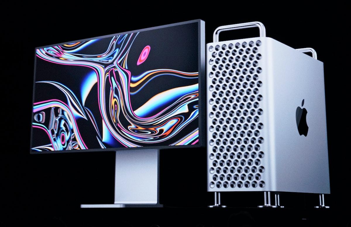 جهاز أبل ماك برو الحاسوبي - REUTERS