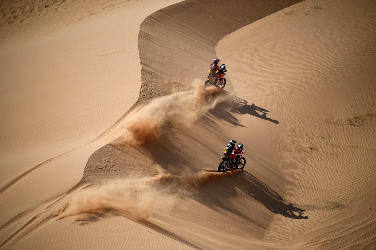 لقطة من سباق رالي دكار للدراجات النارية في السعودية - AFP