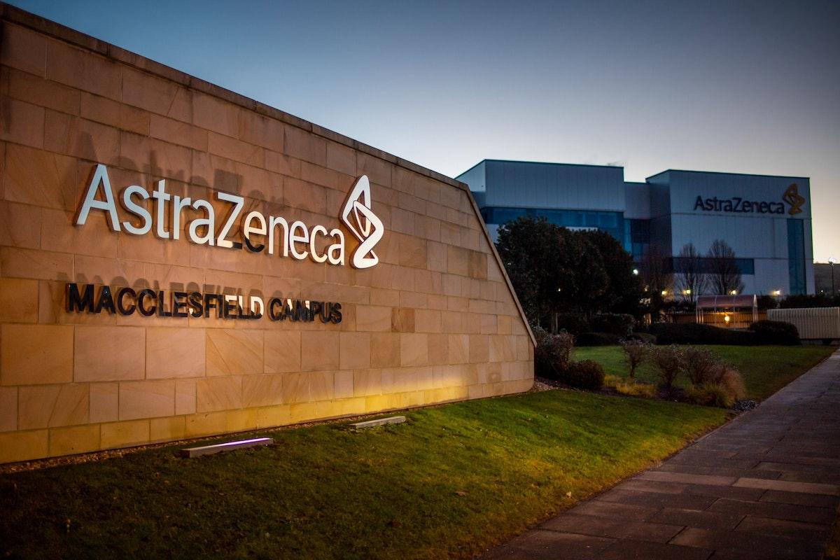 """مصنع شركة """"أسترازينيكا"""" في ماكليسفيلد بالمملكة المتحدة - 1 فبراير 2021 - Bloomberg"""