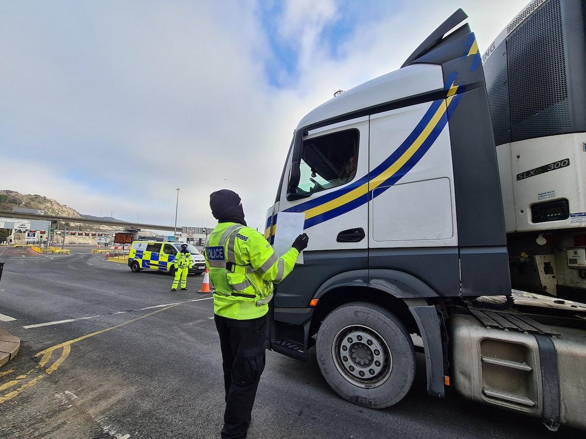 """إجراءات جديدة لحركة التجارة بين بريطانيا وأوروبا بعد """"بريكست"""" - الشرق"""
