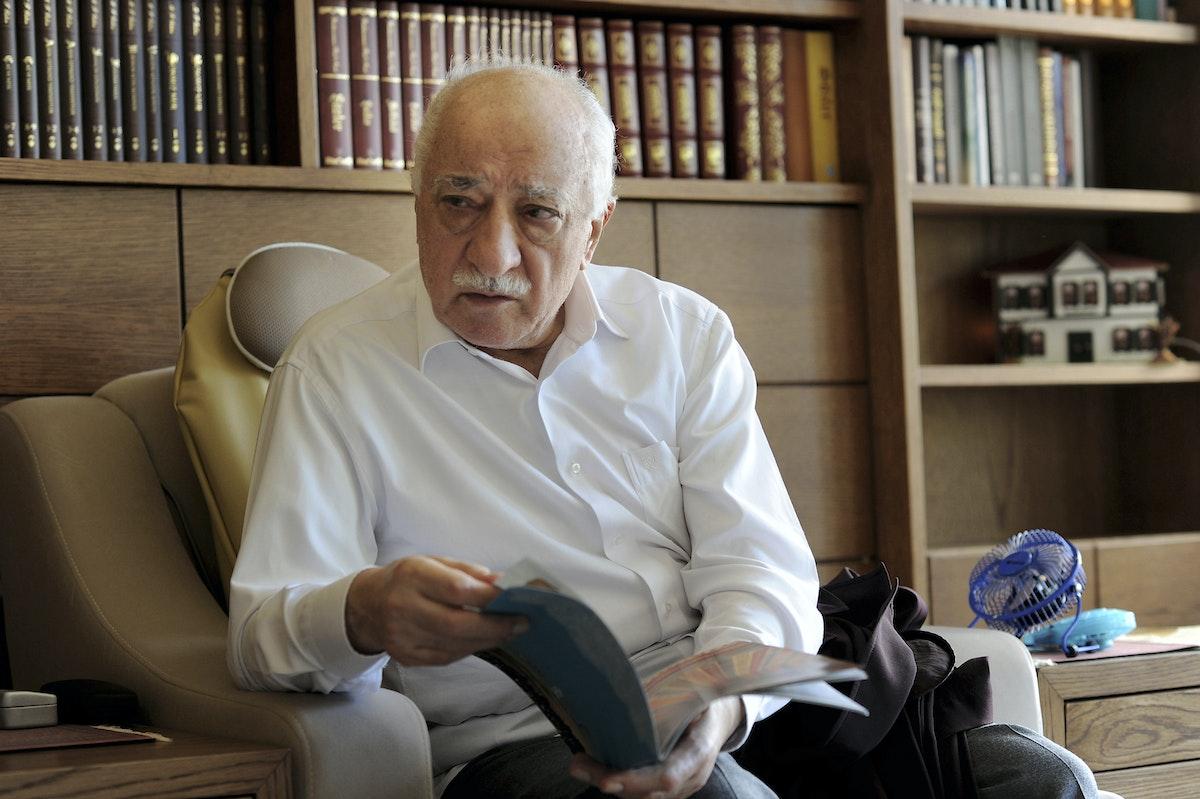 الداعية التركي فتح الله غولن في مقر إقامته بولاية بنسلفانيا الأميركية- 26 سبتمبر 2013 - REUTERS