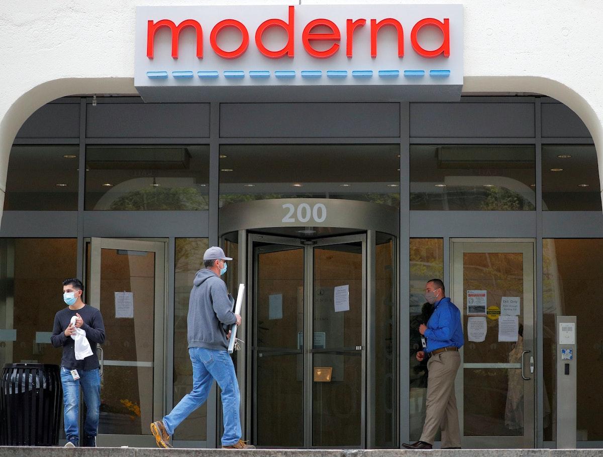 """شعار شركة """"موديرنا"""" أمام مقرها في كامبريدج بولاية ماساتشوستس - 18 مايو 2020 - REUTERS"""