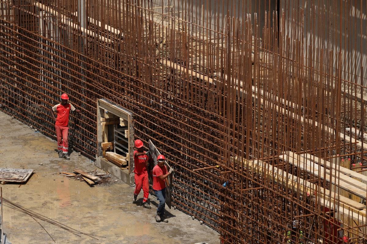 أعمال تشييد الهيكل الأساسي لسد النهضة الإثيوبي على نهر النيل - REUTERS