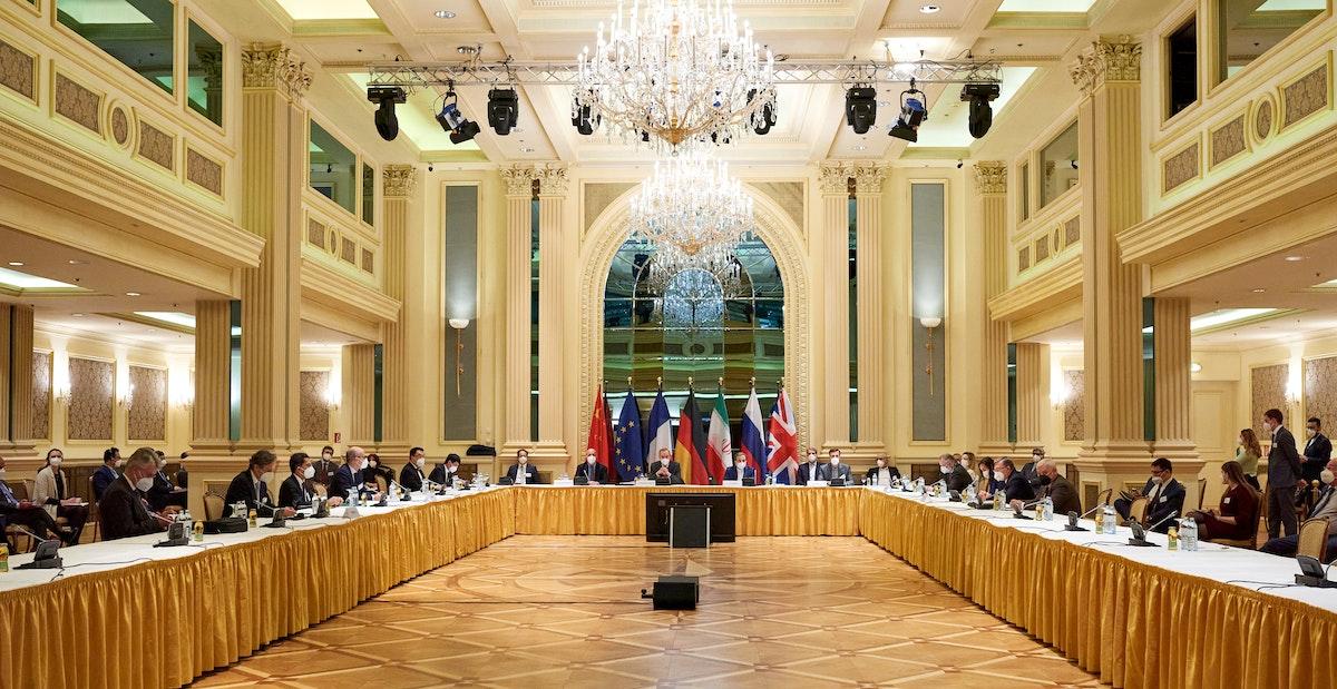 جانب من اجتماعات اللجنة المشتركة للاتفاق النووي الإيراني في فيينا، في 6 أبريل 2021 - REUTERS