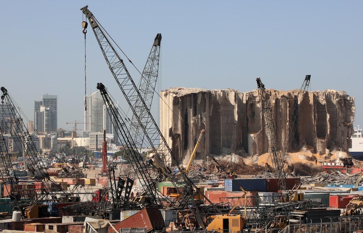 ما تبقى من مرفأ بيروت الذي تعرض لانفجار، 5 أغسطس 2020 - REUTERS
