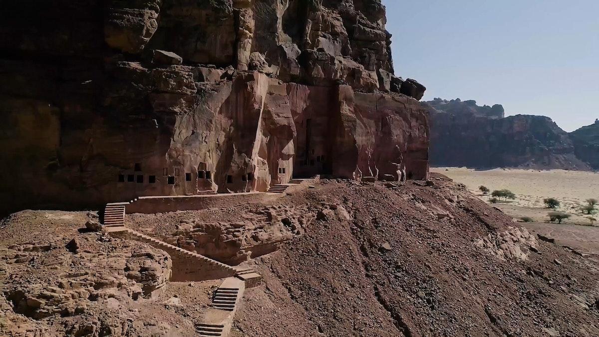 """أحد المواقع الأثرية في محافظة العلا شمال غربي السعودية حيث احتضنت المنطقة العديد من الحضارات القديمة - """"الشرق"""""""