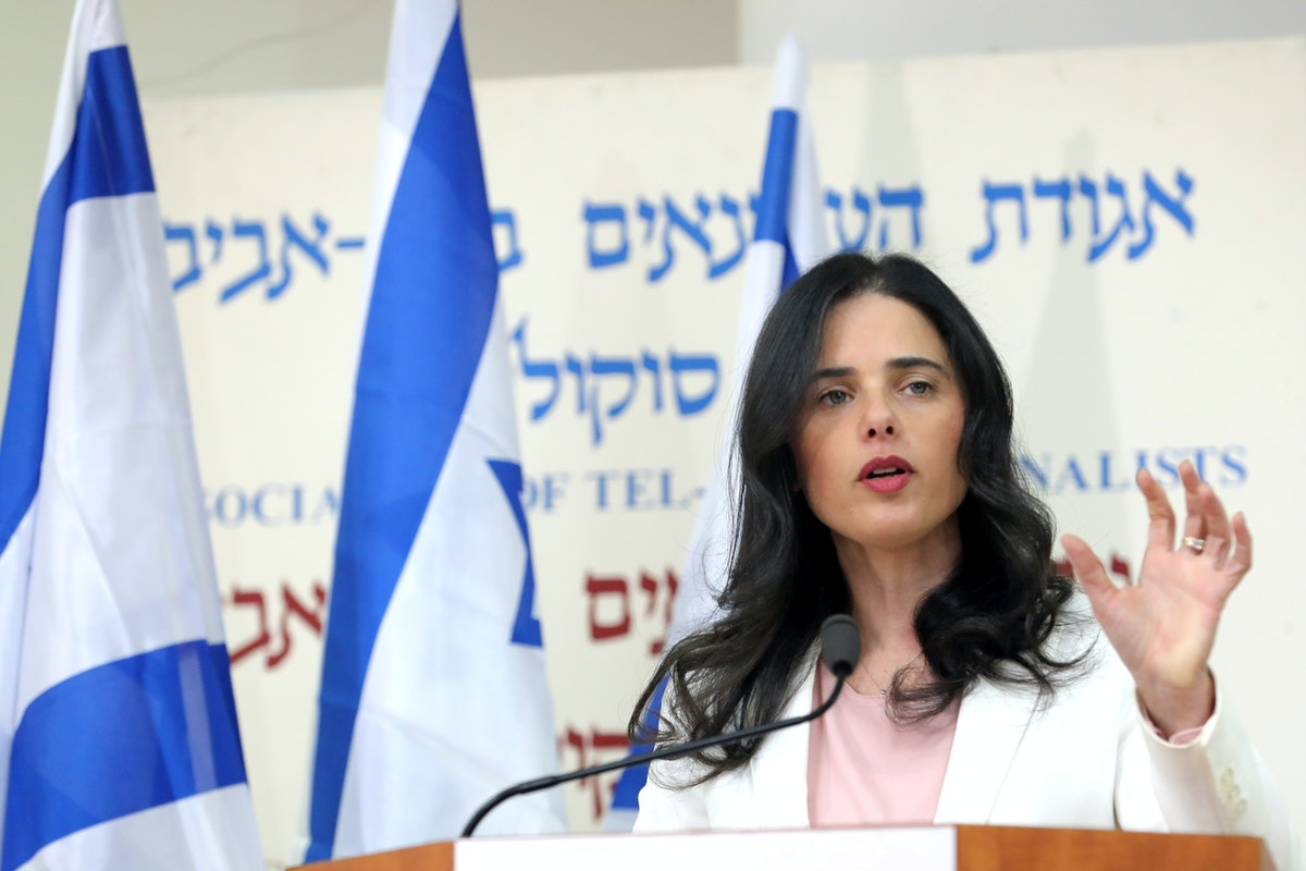 """القيادية في حزب """"يمينا"""" الإسرائيلي والمرشحة لوزارة الداخلية في الحكومة المقبلة إليت شاكيد - REUTERS"""