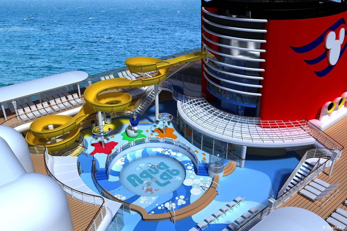 """ألعاب مائية على ظهر سفينة """"والت ديزني"""" - موقع ديزني"""
