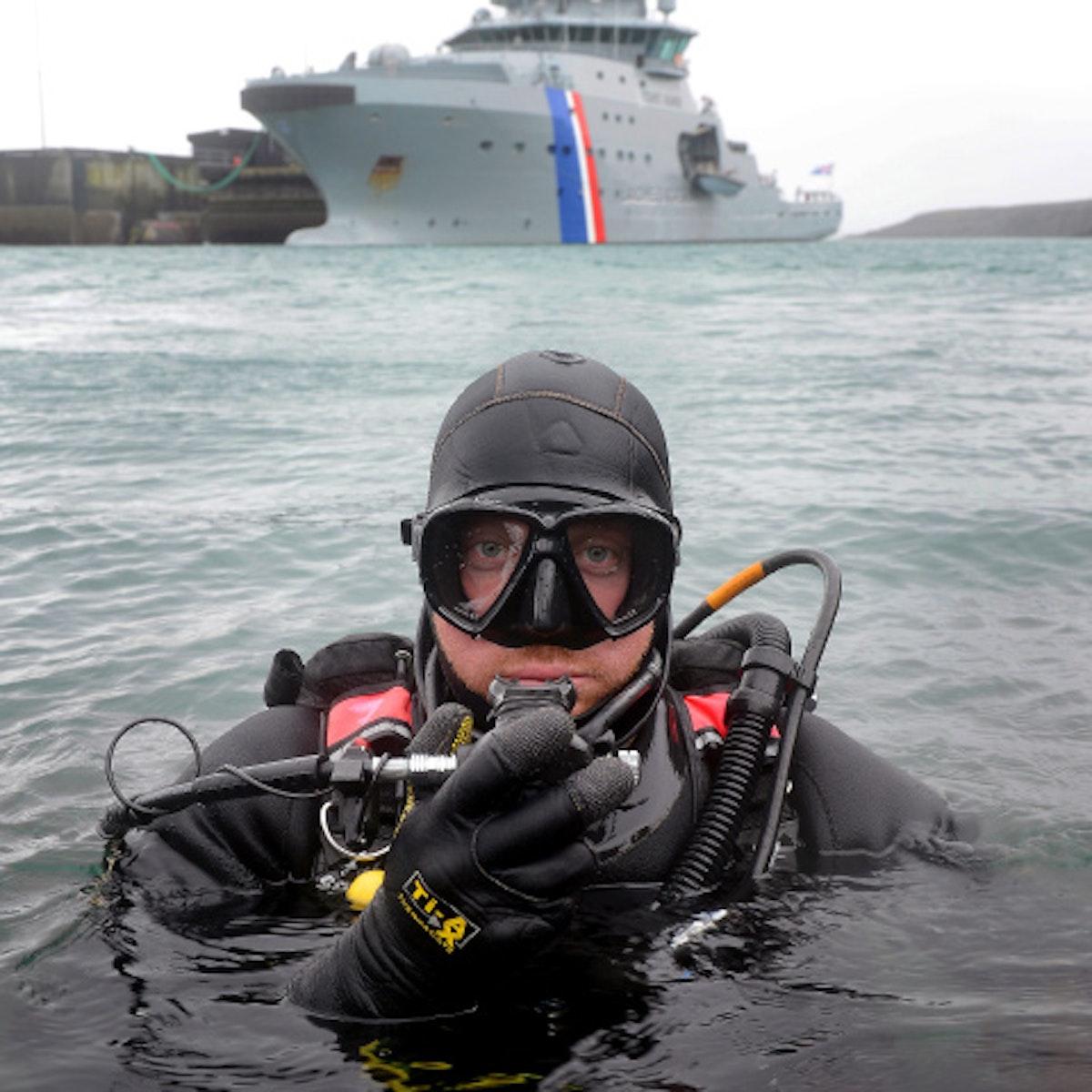 عنصر من فرقة غواين التابعة للقوات البحرية البريطانية خلال تدريب عسكري - royalnavy.mod.uk