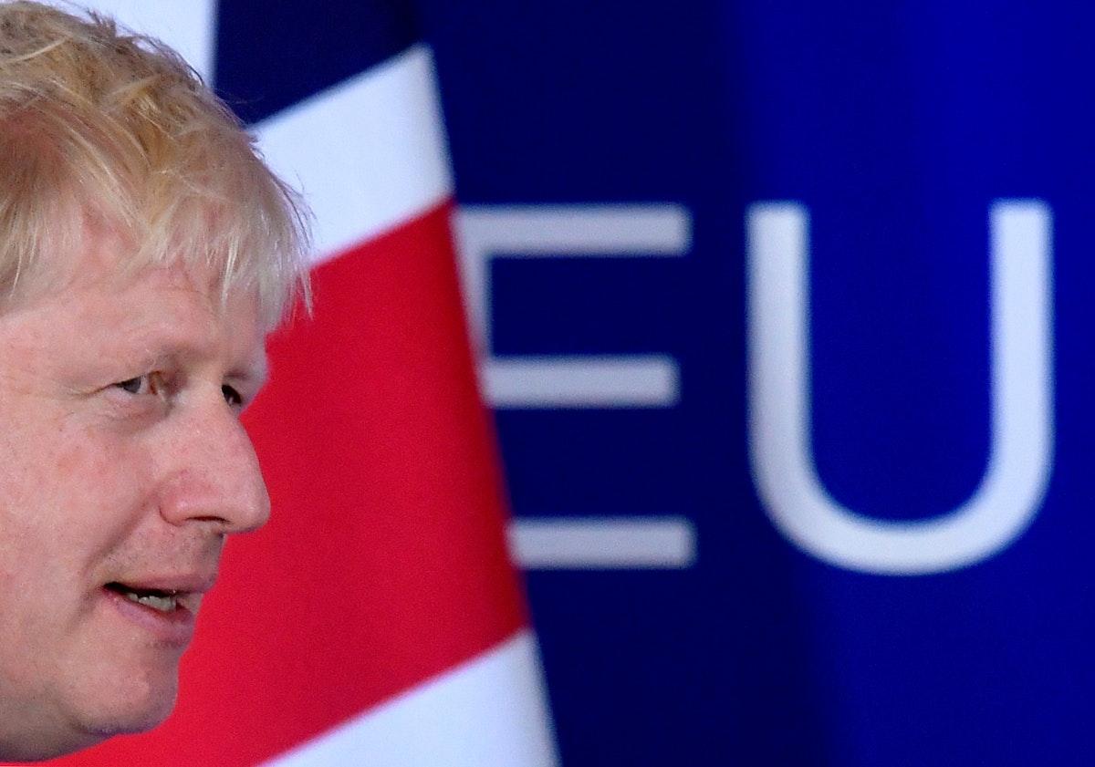 بوريس جونسون يحضر مؤتمراً صحافياً في قمة قادة الاتحاد الأوروبي في بروكسل، 17 أكتوبر 2019 - REUTERS