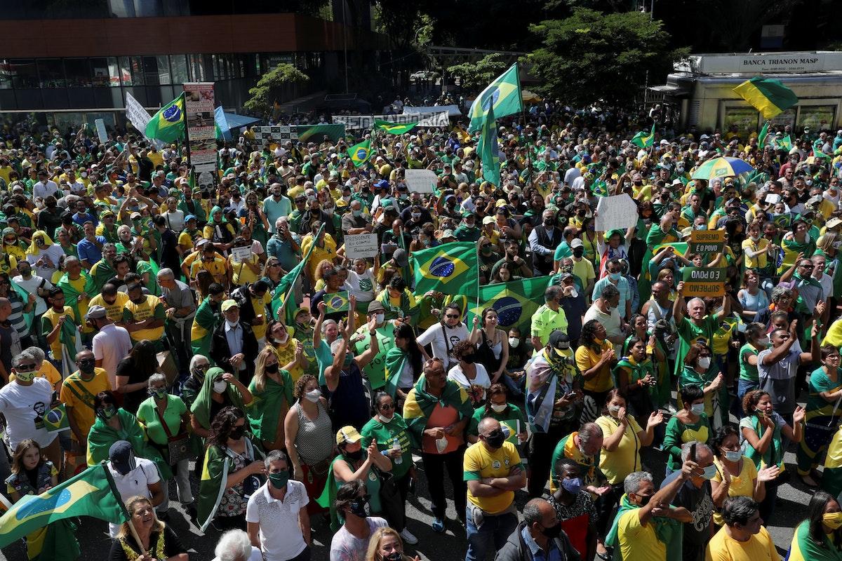أنصار جاير بولسونارو يشاركون في مظاهرة في ساو باولو - 1 مايو 2021 - REUTERS