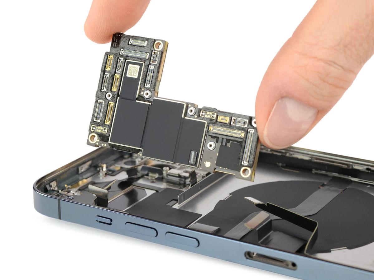"""تصميم شريحة تشغيل الهاتف في """"آيفون 12 برو ماكس""""- iFix it"""