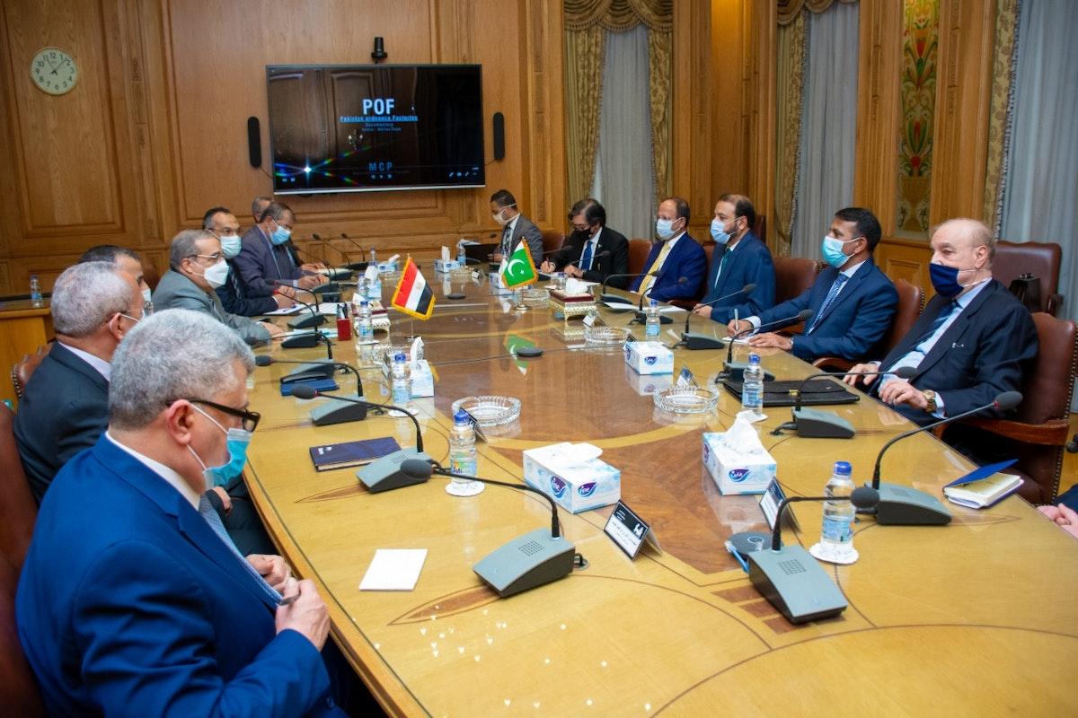 جانب من مباحثات مصرية باكستانية لتعزيز التعاون في الصناعات العسكرية - facebook/EgyptianCabinet