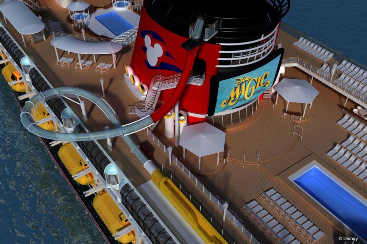 """ألعاب ترفيهية مائية على ظهر سفينة سياحية من سفن """"والت ديزني"""" - موقع ديزني"""