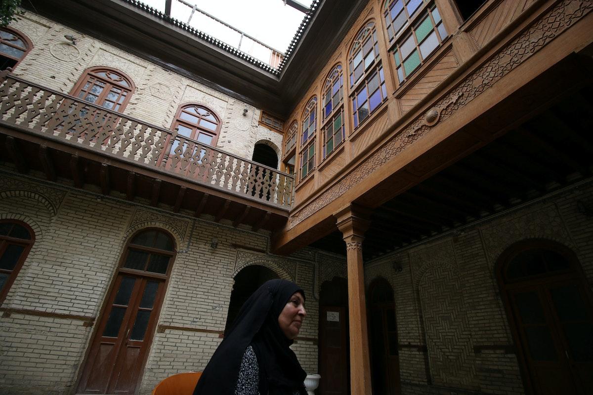 منظر عام لأحد المنازل التاريخية القديمة يعود إلى زمن العثمانيين في وسط مدينة البصرة القديم، جنوب العراق - 9 مايو 2018 - REUTERS