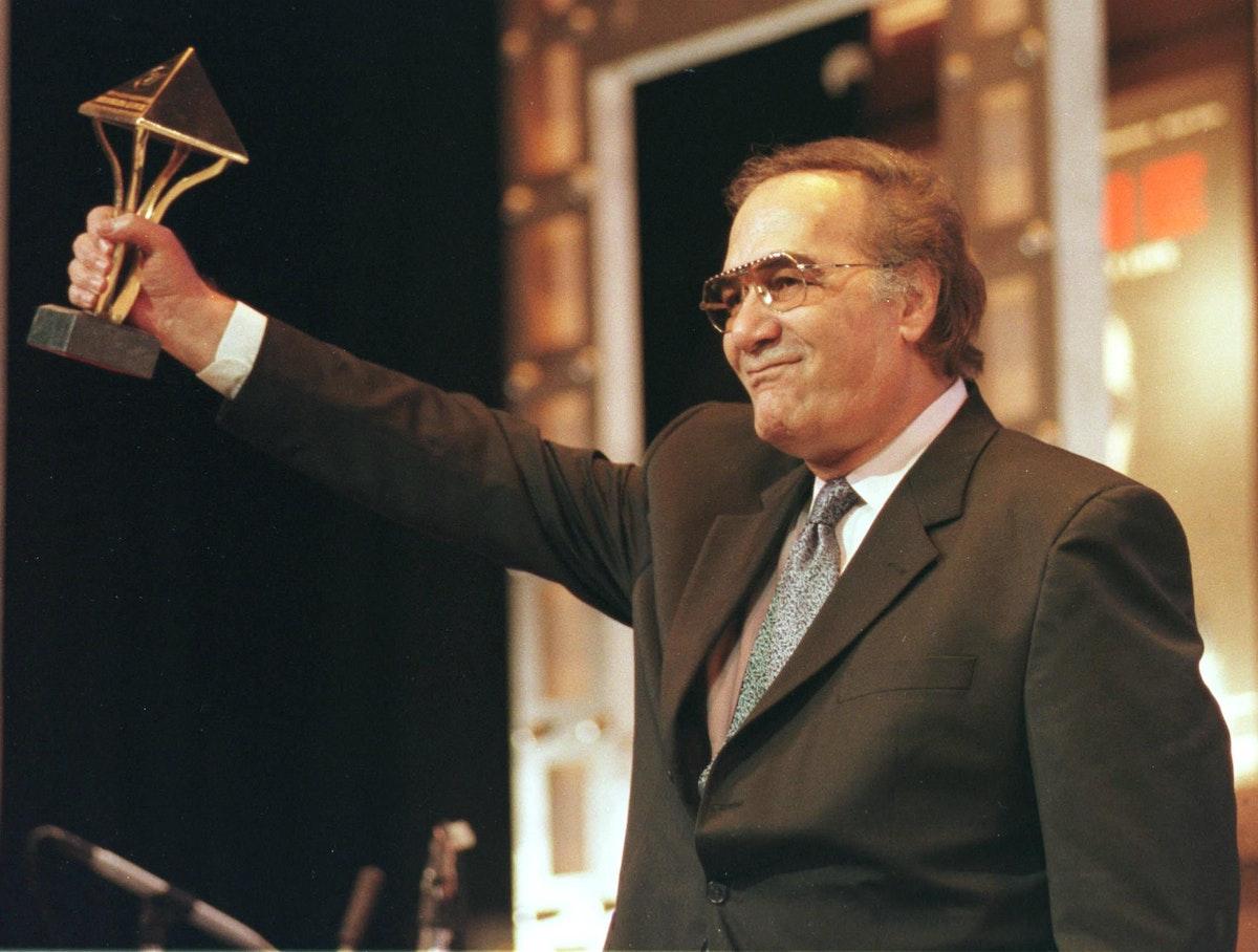 أثناء تكريمه من مهرجان القاهرة السينمائي - AFP