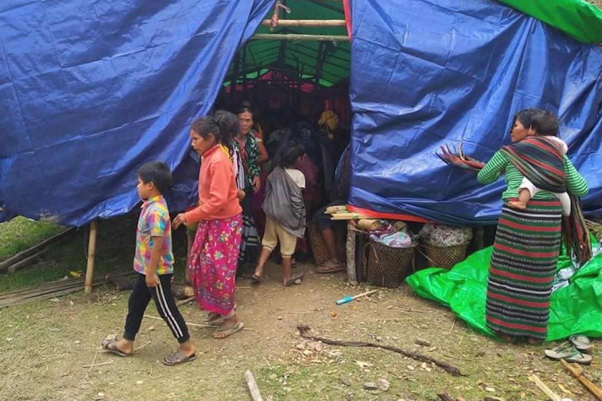 نازحون بسبب القتال في شمال غربي ميانمار، بين القوات الحكومية ومسلحين في ولاية تشين - 31 مايو 2021 - REUTERS