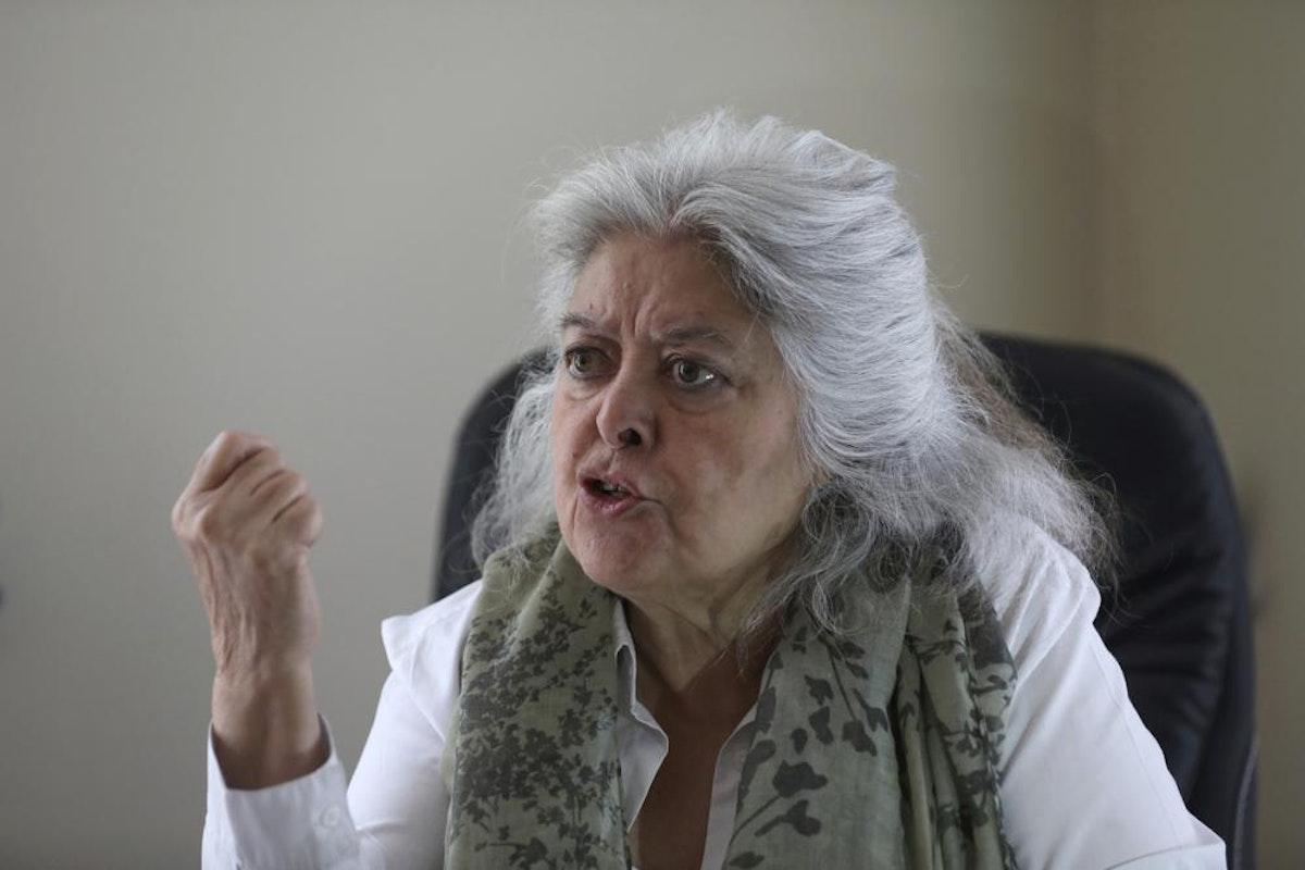 """الناشطة في ملف حقوق المرأة، محبوبة سراج، خلال مقابلة مع """"أسوشيتد برس"""" في كابول - 24 أبريل 2021 - AP"""