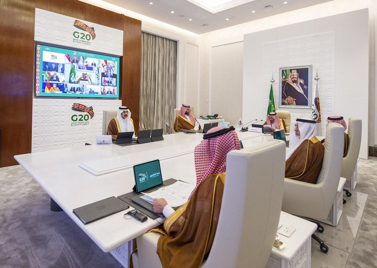 الملك سلمان بن عبد العزيز آل سعود يلقي كلمة في قمة الرياض لقادة مجموعة العشرين، 21 نوفمبر 2020 - مجموعة العشرين في السعودية