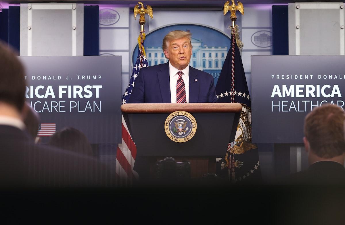 الرئيس الأميركي دونالد ترمب خلال مؤتمر صحافي في البيت الأبيض - 20 نوفمبر 2020 - AFP