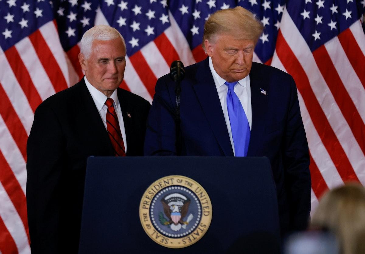 الرئيس الأميركي دونالد ترمب ونائبه مايك بنس - REUTERS