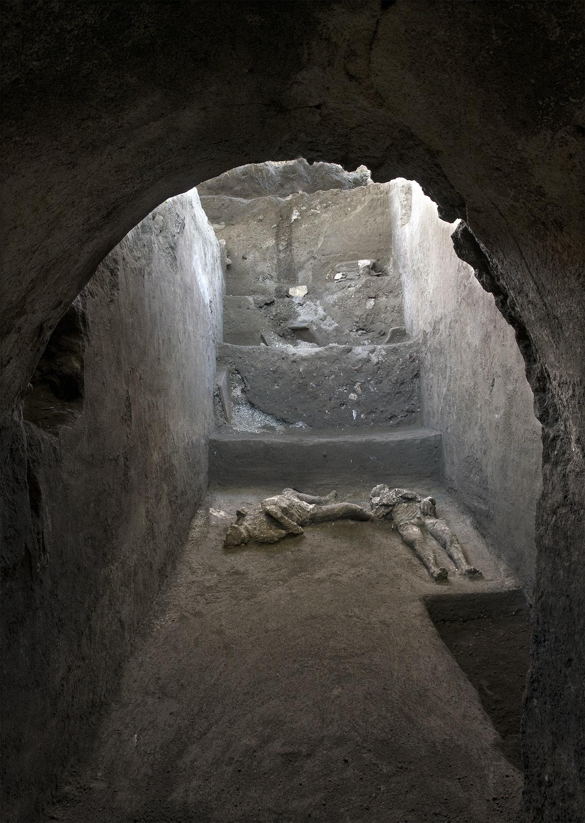 جثث لرجلين في حديقة بومبي الأثرية - AFP