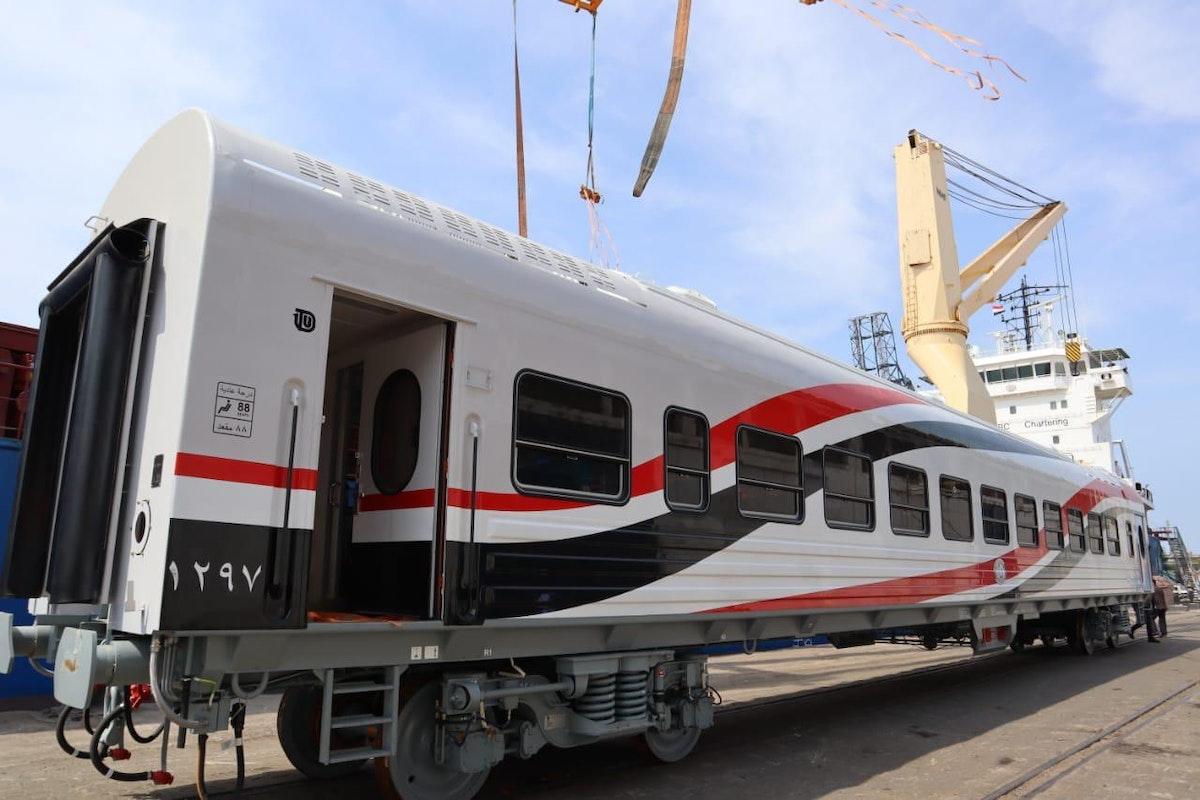 إحدى العربات الجديدة التي استقبلتها مصر ضمن صفقة الـ1300 عربة - الشرق