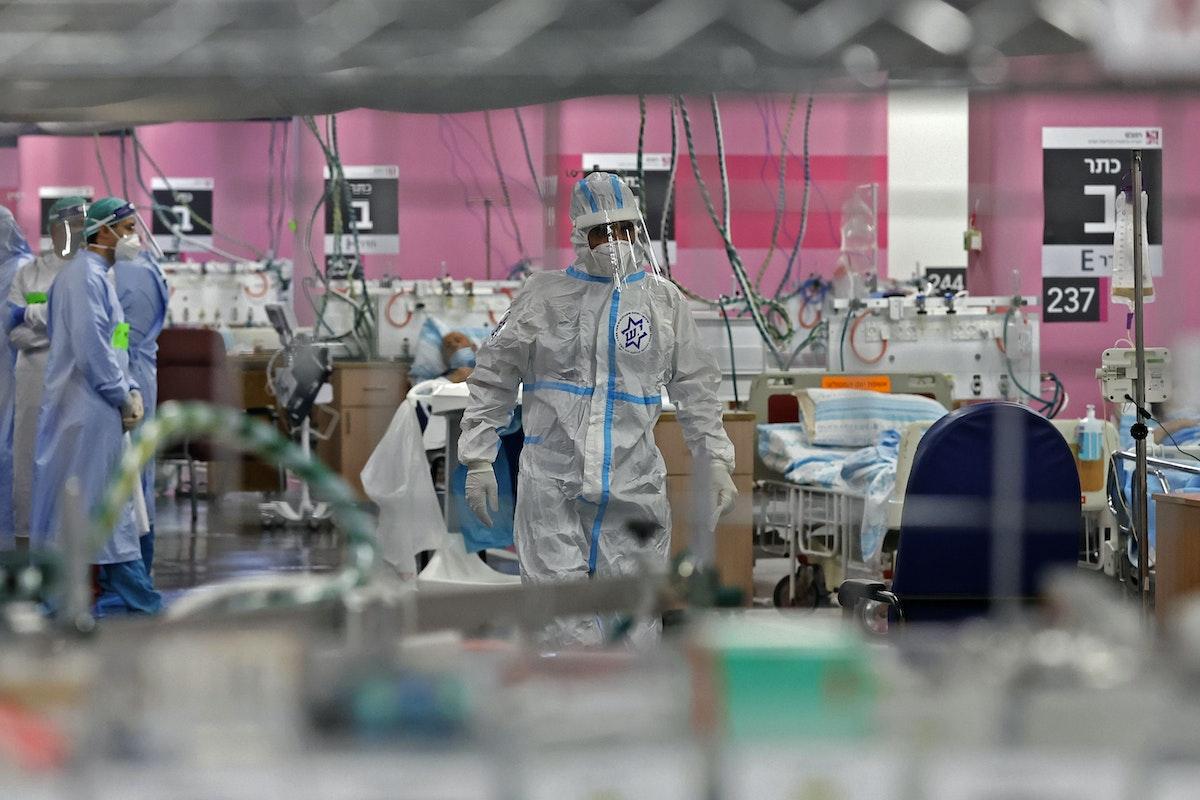 جانب من منشأة صحية جديدة افتتحتها السلطات الإسرائيلية لمعالجة مرضى كورونا في حيفا 11 أكتوبر 2020 - AFP