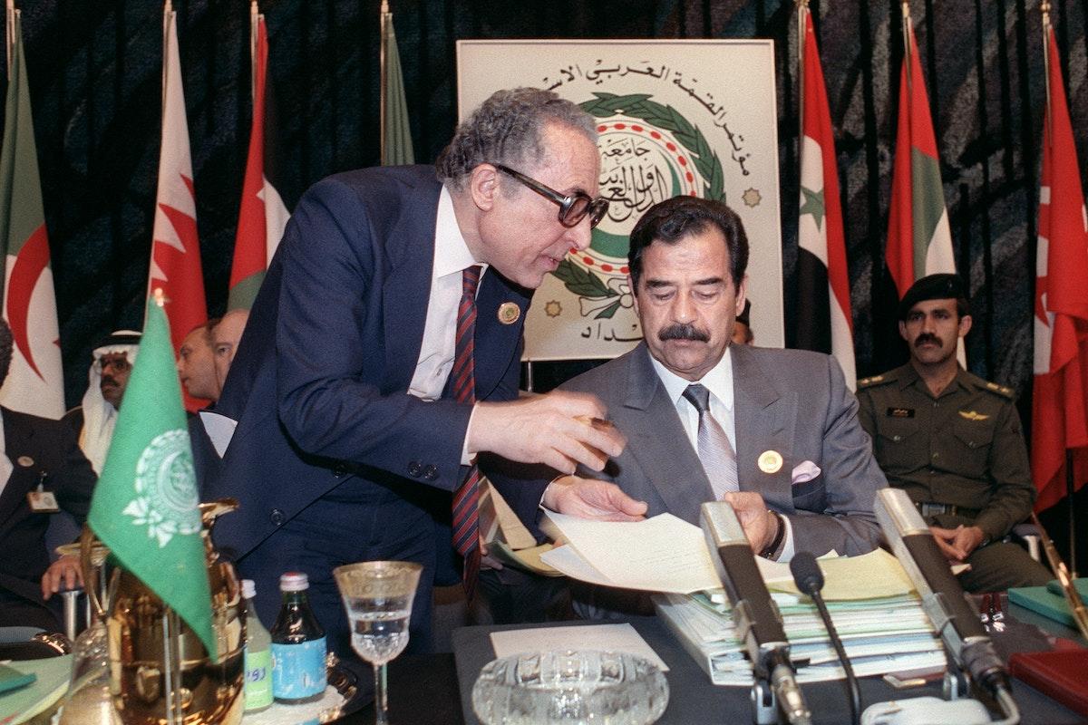 الرئيس العراقي السابق صدّام حسين خلال القمة العربية الاستثنائية في بغداد 30 مايو 1990 - AFP