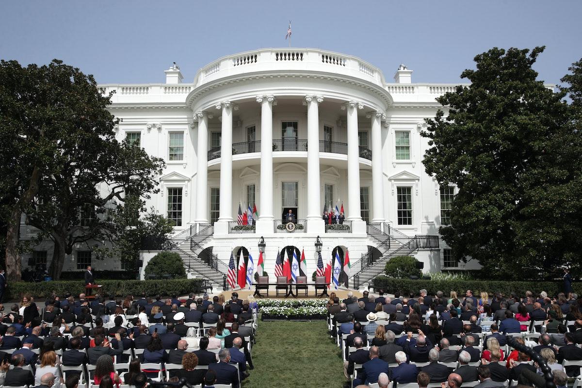 الرئيس ترامب يستضيف مراسم توقيع اتفاقات أبراهام في الحديقة الجنوبية للبيت الأبيض - AFP